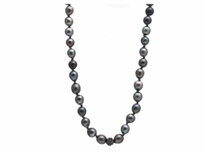"Collection: Old World Style #: 12595 Description: Old World Midnight all-black 16""-17"" South Sea Tahitian Pearl beaded necklace with champagne diamonds in center."