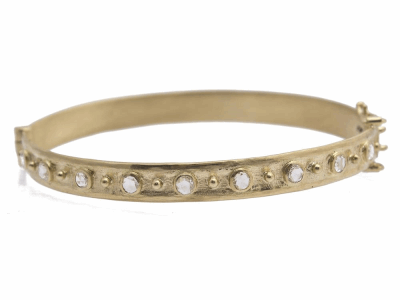 Collection: Old World Style #: 11621 Description: Sueno 18k yellow gold 3mm rose-cut diamond huggie bracelet. Diamond Weight 0.91ct
