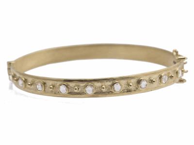 Collection: Old World Style #: 11621 Description: Sueno 18k yellow gold 3mm rose-cut diamond huggie bracelet. Diamond Weight 0.91ct