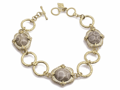 "Collection: Old World Style #: 11718 Description: Sueno 18k yellow gold 7.5"" oval artifact link bracelet with Fossilized Coral and pave white diamonds. Diamond Weight 0.86ct"