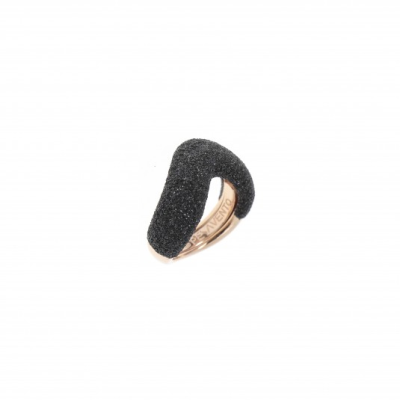 Large Arrowhead Polvere Di Sogni Ring. Sterling Silver with an 18K Rose Gold Vermeil. Self sizing ring, prongs inside.