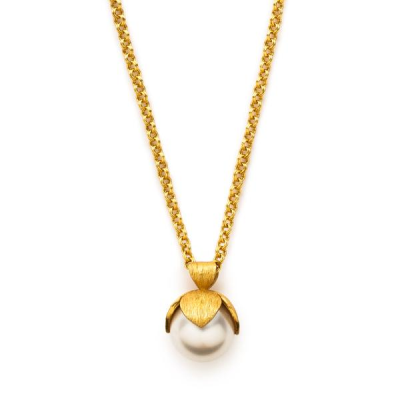 A large luminous pearl capped with golden leaves sways on a pretty chain. 37 inch chain doubles to 18.5 inches. Pendant 1.5 inches. 24K gold plate. Julie Vos hallmark.
