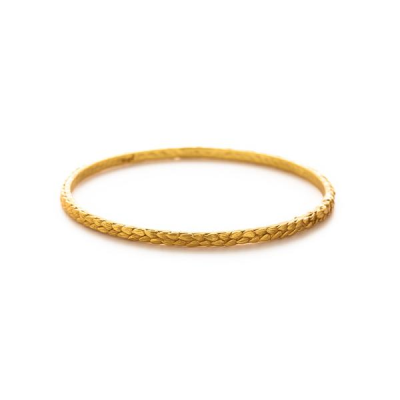 A double row of tiny feathers lends rich texture to this classic stacking bangle. 24K gold plate. Size medium fits 8 inch wrists