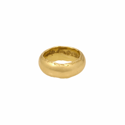 Made of solid 18K gold, the Selassie Ring features our signature molten edges.  This piece is custom made to order so molten details may vary slightly.