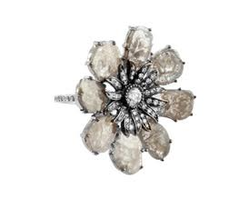 Grey Diamond Slice Flower Ring in 18K. DIA: 4.37