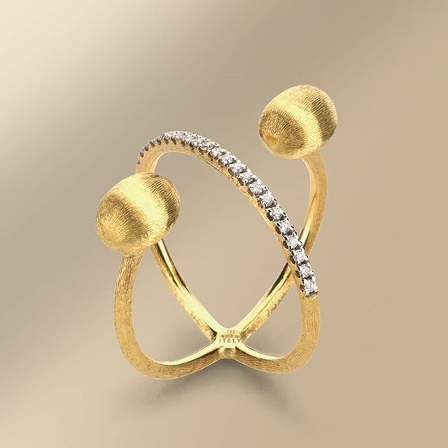 Twist Dancing Elite Ring with Diamonds