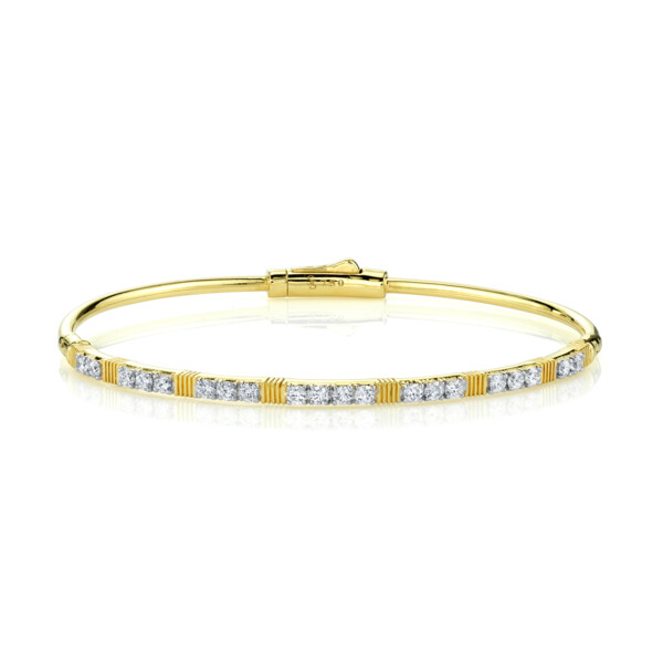 Closeup photo of White Diamond Bracelet