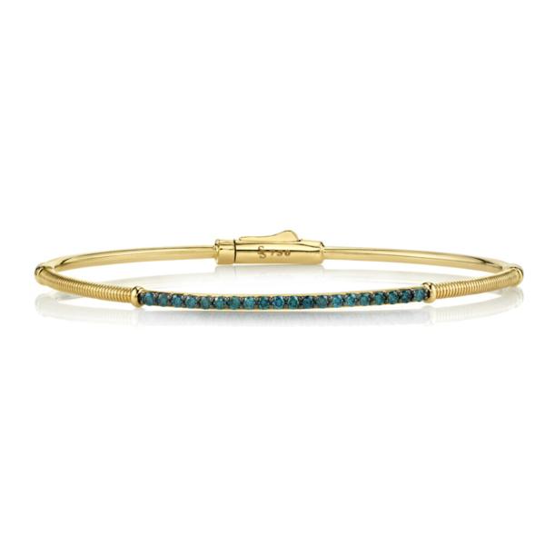 Closeup photo of Blue Diamond and Strie Detail Bracelet