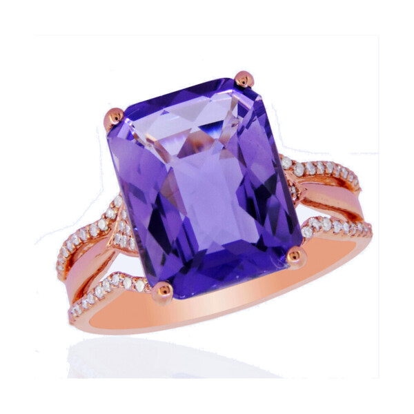 Closeup photo of AMETHYST RING 14K GOLD WITH DIAMONDS