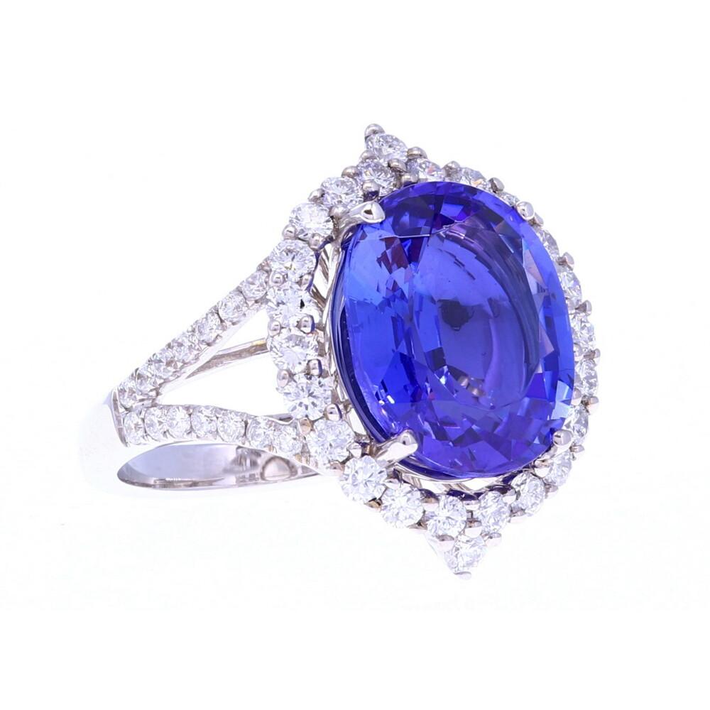18k Tanzanite & Diamond Ring