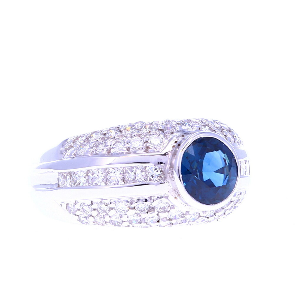 18k Round Sapphire Ring