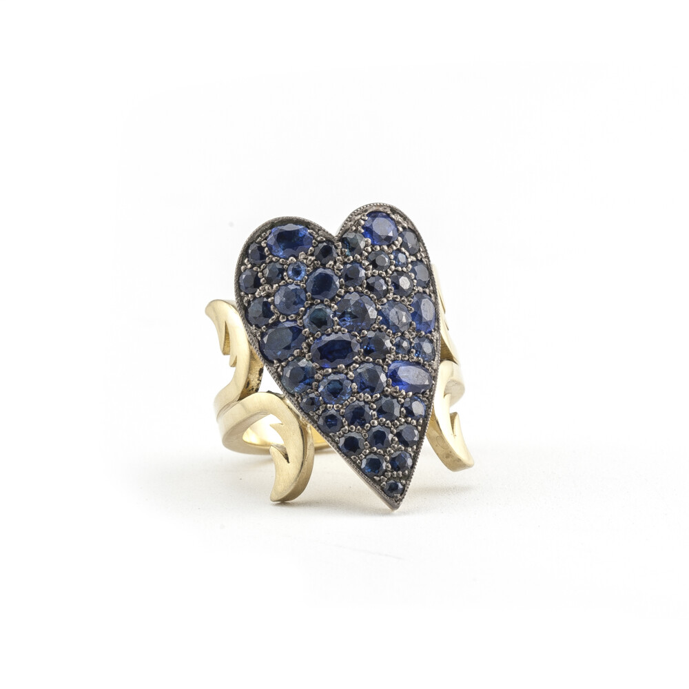 Sapphire Heart Ten Table Ring