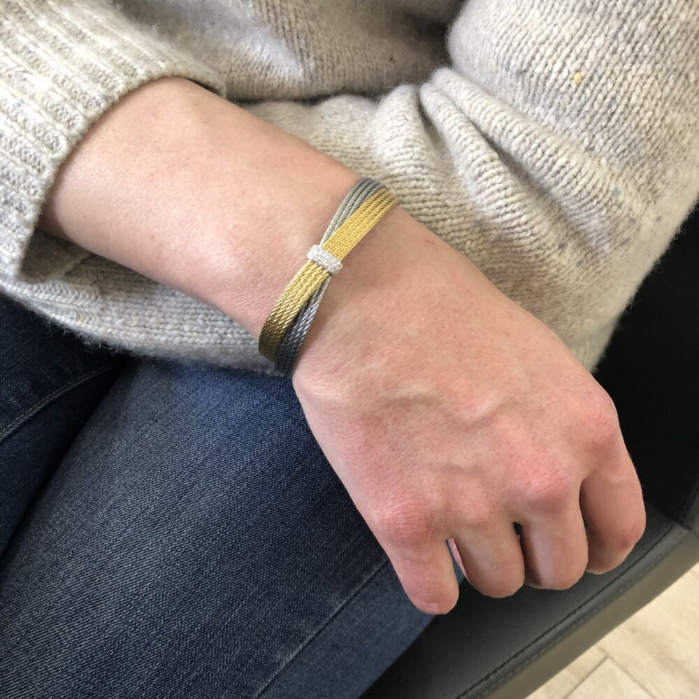 Classique Criss Cross Bracelet