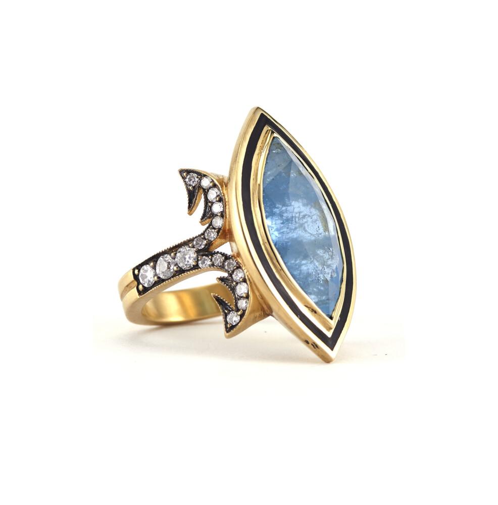 18Kt Aqua marquis ring