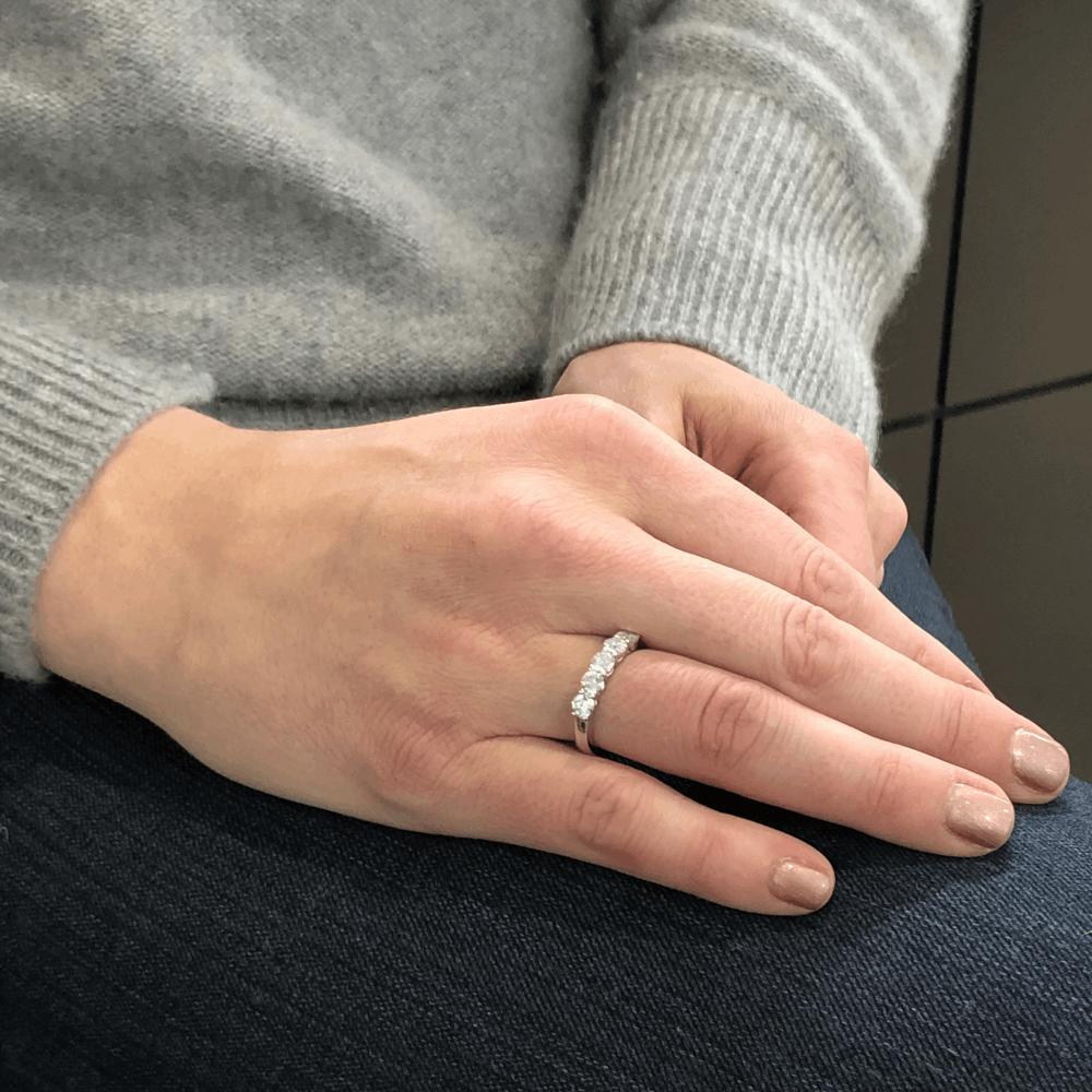 Image 2 for 18k White Gold 5 Stone Brilliant Cut Diamond Stack Ring