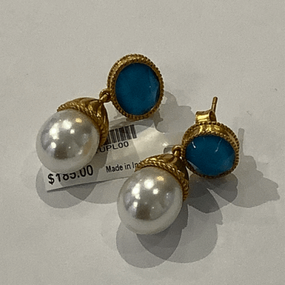 """Collection: Old World Style #: 11778 Description: Sueno 18k yellow gold 7.5"""" crivelli chain bracelet with carved Tahitian Pearl and white diamonds. Diamond Weight 0.12ct"""