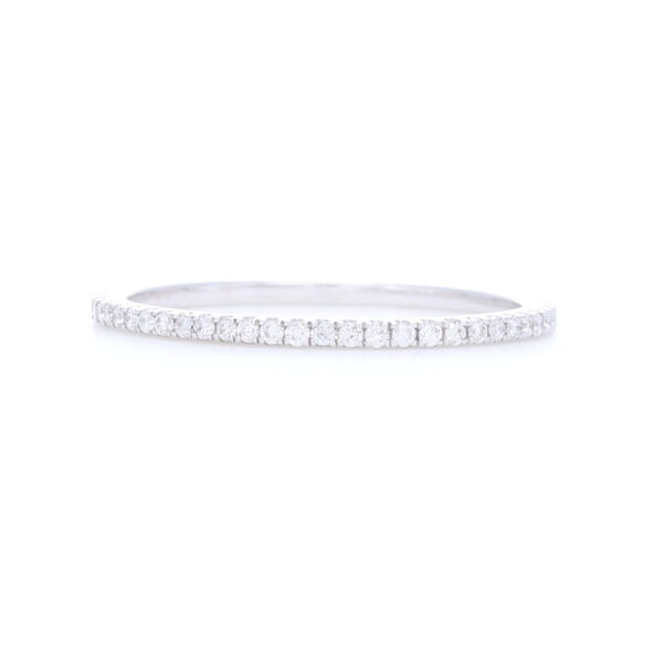 Closeup photo of 18k White Gold White Diamond Ring